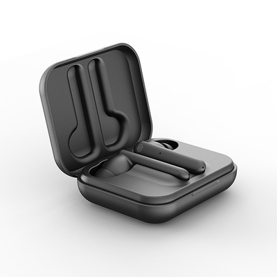 Paris black case 01 0.5x